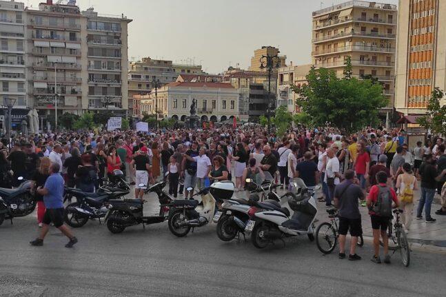 Πάτρα: Συγκέντρωση αντιεμβολιαστών στην πλατεία Γεωργίου