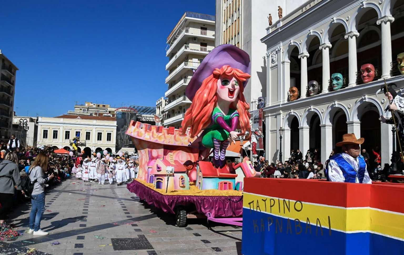 Η ατάκα του Μητσοτάκη στον Τσίπρα για το πατρινό καρναβάλι!