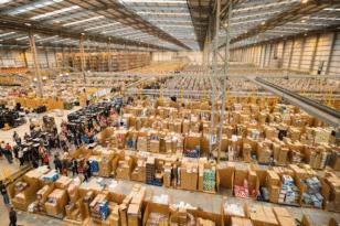 Η Amazon έτοιμη για 150.000 χριστουγεννιάτικες προσλήψεις!