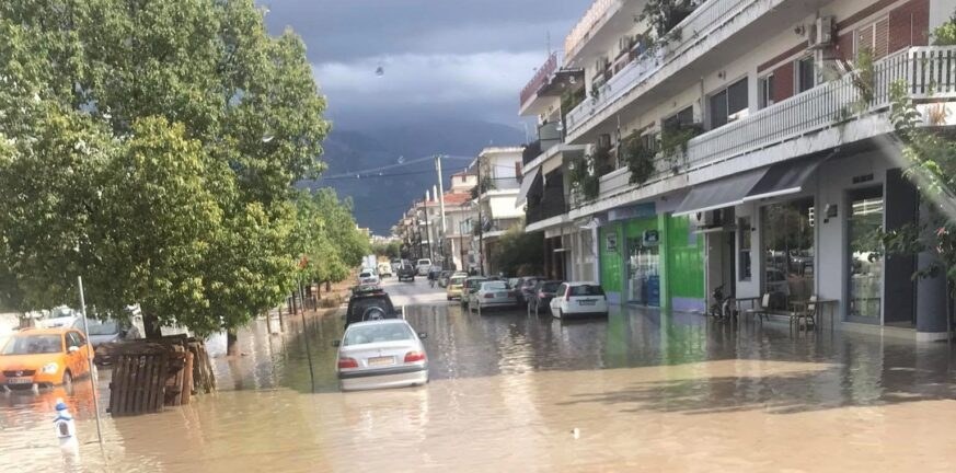 Πάτρα: Με την πρώτη βροχή, ήρθαν και οι πλημμύρες - Που χτύπησε η κακοκαιρία