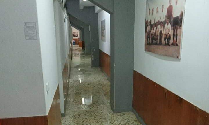 Δημοτικό Στάδιο Αιγίου: Πλημμύρισαν τα αποδυτήρια ΒΙΝΤΕΟ