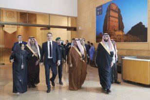 Στη Σαουδική Αραβία ο Μητσοτάκης: Σφίγγει ο κλοιός του αραβικού κόσμου στην Άγκυρα