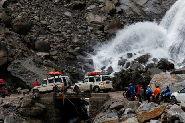 Τραγωδία σε Ινδία-Νεπάλ,200 νεκροί από πλημμύρες και κατολισθήσεις