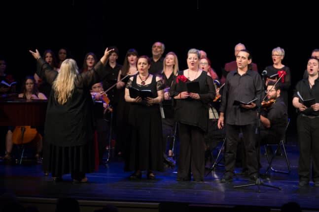 """Η Ανθή Γουρουντή με το Libro Coro παρουσιάζουν το """"Υμνος εις την Ελευθερίαν"""" στο Δημοτικό Θέατρο Απόλλων"""