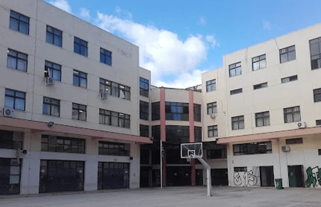 Μαχαίρωσαν τρεις φορές μαθητή στο 1ο ΕΠΑΛ Αθηνών