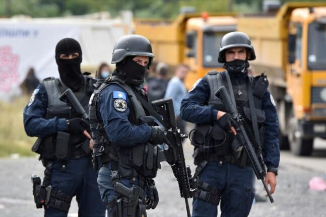 Άναψαν τα αίματα στα σύνορα Σερβίας – Κοσόβου – Επτά τραυματίες σε θερμό επεισόδιο