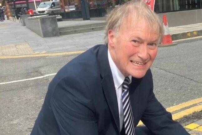 Βρετανία: Μαχαίρωσαν βουλευτή των Συντηρητικών έξω από εκκλησία