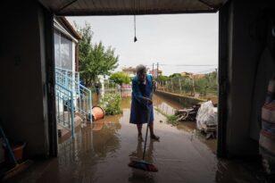 Β. Εύβοια: Οι κάτοικοι μετρούν τις πληγές τους και φοβούνται ένα νέο κύμα κακοκαιρίας