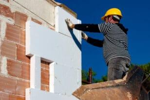 Η έκρηξη τιμών στα οικοδομικά υλικά αλλάζει το νέο «Εξοικονομώ»