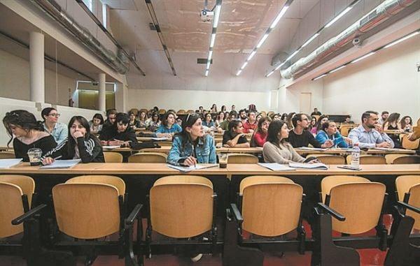 Μαθήματα και τα Σάββατα στα πανεπιστήμια προτείνει ο Συρίγος