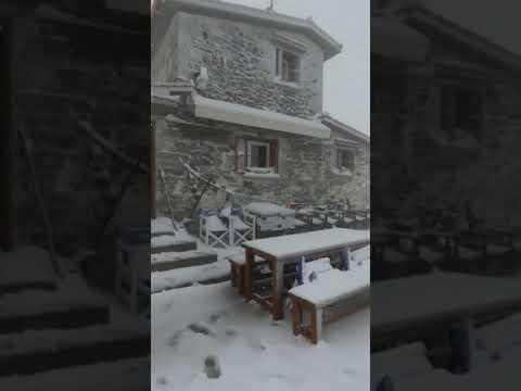 Εριξε πυκνό χιόνι στον Όλυμπο ΒΙΝΤΕΟ