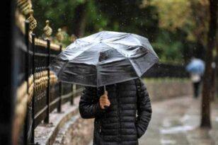 «Μαλακώνει» ο καιρός, επιμένουν τοπικά οι βροχές: Πού αναμένονται φαινόμενα απόψε και την Κυριακή