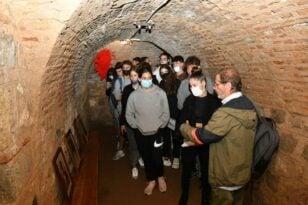 Εκατοντάδες μαθητές ξεναγήθηκαν στο ιστορικό Καταφύγιο στα Υψηλά Αλώνια