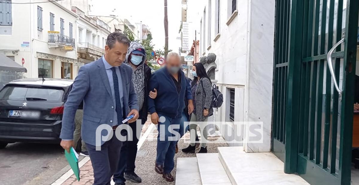 Νεοχώρι Κυλλήνης: Στον ανακριτή οι συλληφθέντες για την υπόθεση αρχαιοκαπηλίας - ΦΩΤΟ