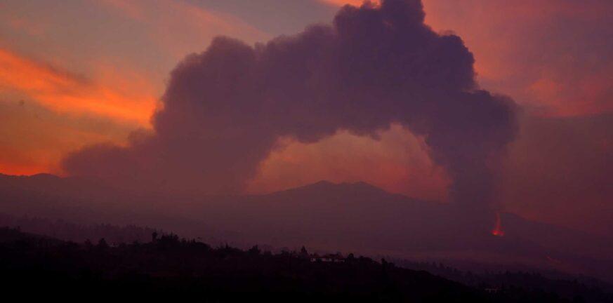 Ισπανία: Ακόμα κλειστό το αεροδρόμιο της Λα Πάλμα λόγω ηφαιστειακής τέφρας