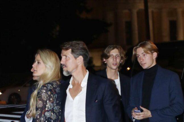 Οι λαμπεροί καλεσμένοι στον γάμο του Φιλίππου Γλίξμπουργκ και της Νίνα Φλορ