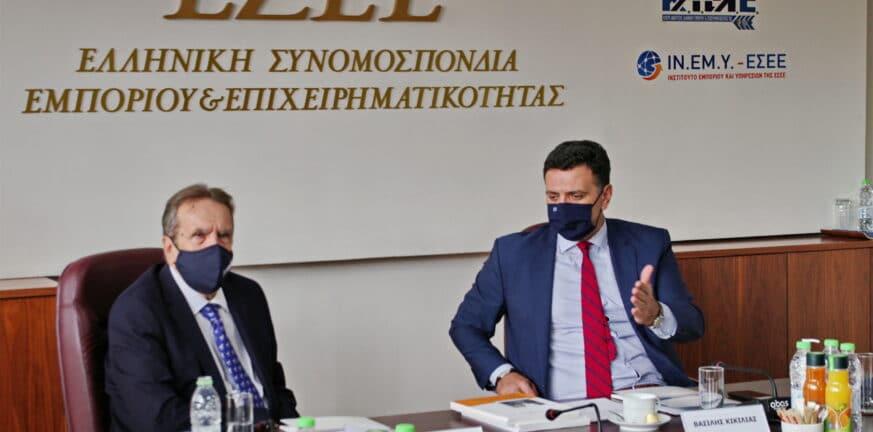 Κικίλιας: «Αρρηκτα συνδεδεμένα Τουρισμός και Εμπόριο» - Τι συζήτησε με την ΕΣΕΕ