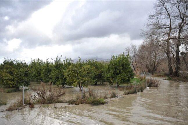Αγρίνιο: Προληπτική εκκένωση του οικισμού Καμαρετσέικα στο Ζευγαράκι