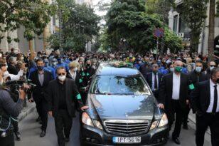 Φώφη Γεννηματά: Η πομπή προς το Α' Κοιμητήριο - «Αθάνατη» φώναζε το πλήθος
