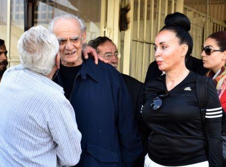 Άκης Τσοχατζόπουλος: «Η Βίκυ Σταμάτη τον έδενε και τον κακομεταχειριζόταν» λέει η ξαδέρφη του