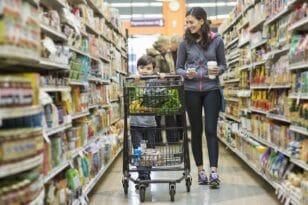 Φόβος για ελλείψεις βασικών αγαθών – Έκκληση Μπάιντεν για ανεφοδιασμό στις γιορτές