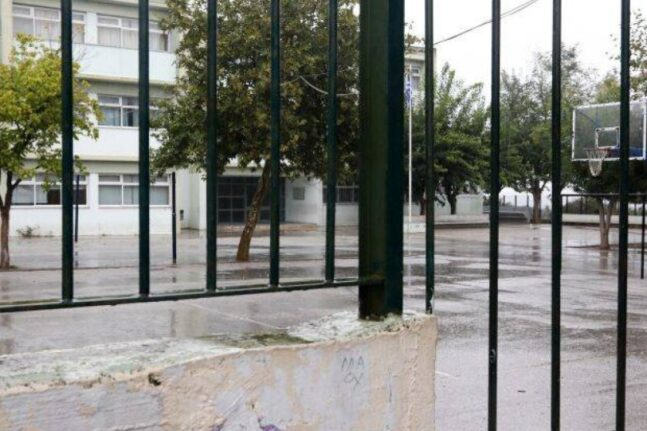Βύρωνας: 22χρονος μπήκε στις τουαλέτες σχολείου χωρίς παντελόνι – Έντρομη μια 16χρονη κοπέλα