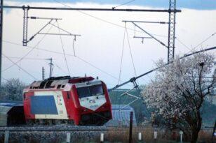 Θεσσαλονίκη: Πανικός στον σιδηροδρομικό σταθμό από εκτροχιασμό τρένου