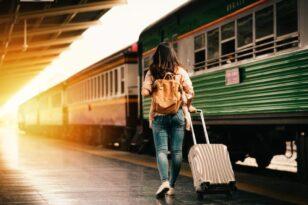 Κομισιόν: Δωρεάν κάρτες μετακινήσεων σε 60.000 νέους για ταξίδια με τρένα, λεωφορεία και πλοία