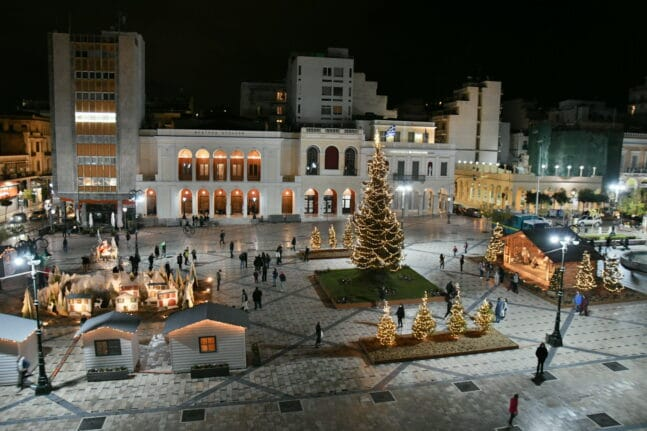 Χριστούγεννα αφιερωμένα στα παιδιά με θέατρο, κινηματογράφο και καραγκιόζη!